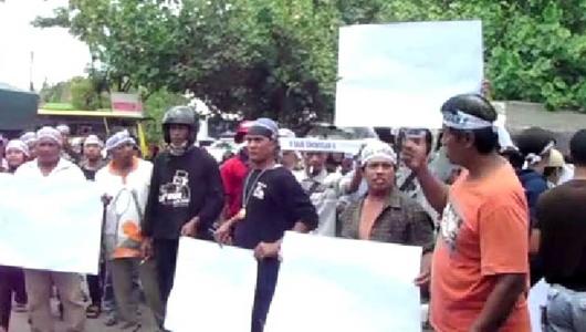 Prabowo Subianto Didemo Warga Grobogan