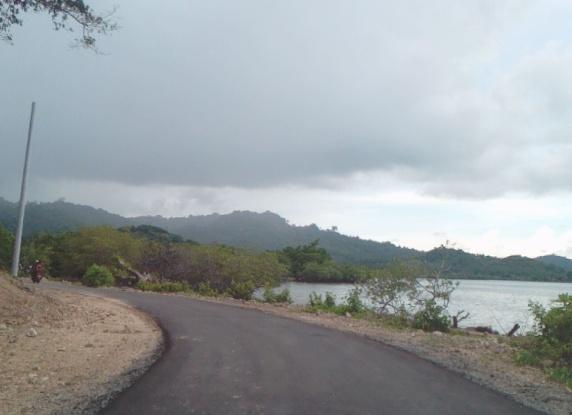 Warga Pulau Jampea, Akhirnya Nikmati Jalan Hotmix