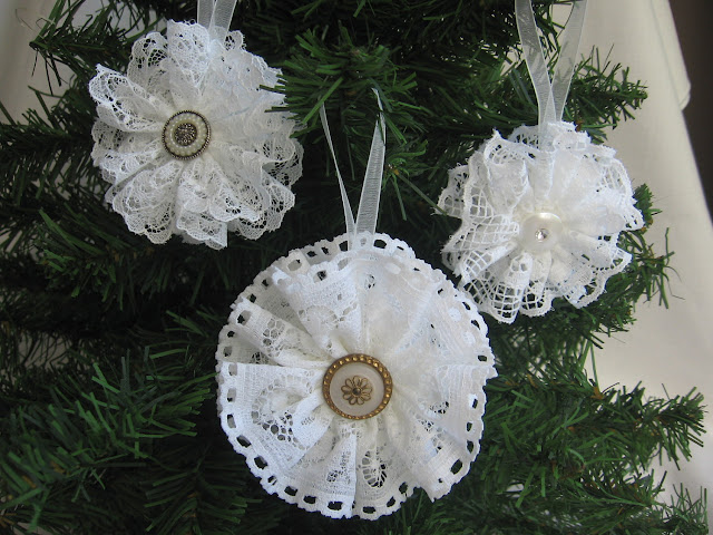lace christmas decorations