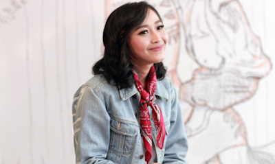 """Lirik Lagu Rinni Wulandari - Crazy Over You"""