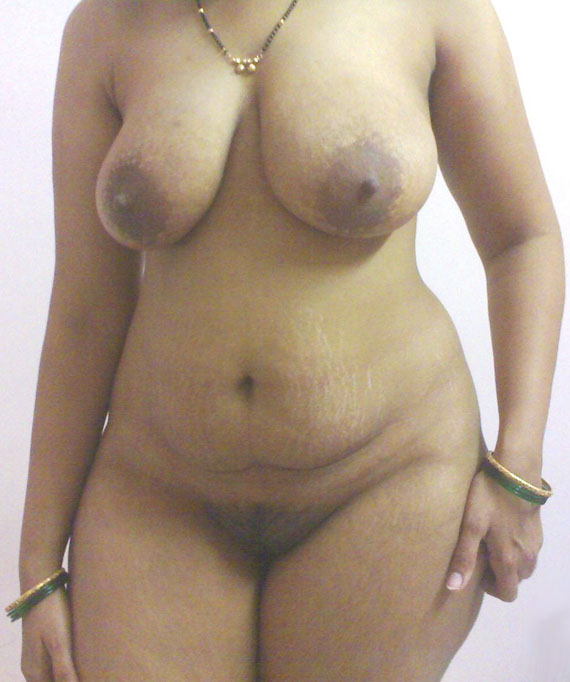 Juicy Big Boobs Desi Mallu Aunty