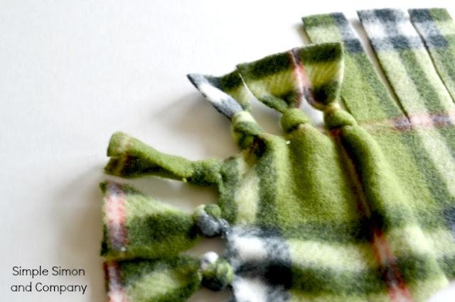 A No Sew Polar Fleece Blanket Tutorial Simple Simon And