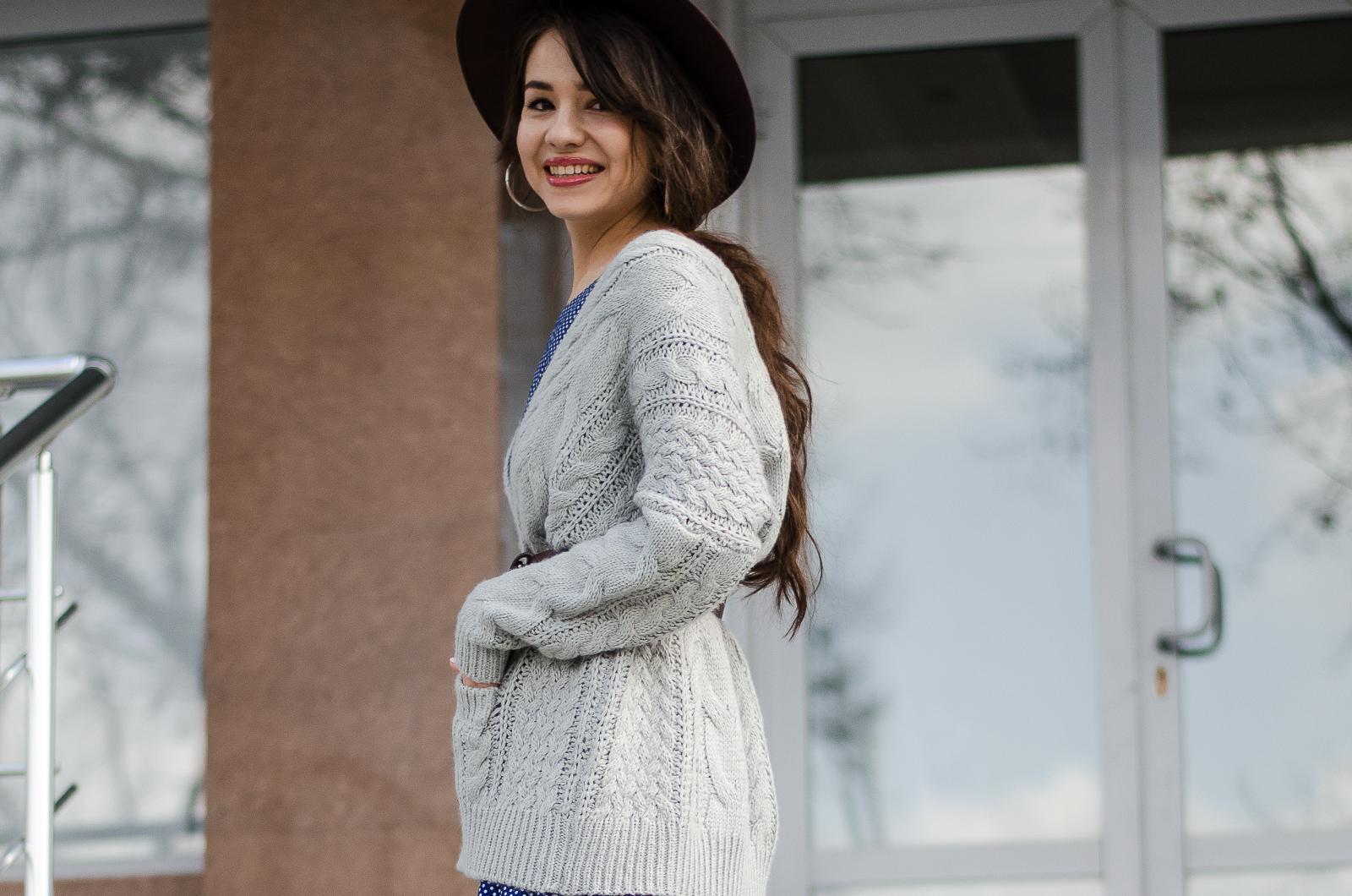 fashion blogger diyorasnotes diyora beta polka dot dress knitted cardigan