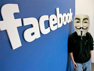 """Al parecer, la organización, que no tiene una cúpula fija y funciona con personas de todo el mundo, tiene un nuevo blanco y se trata nada menos que de la red social más popular del mundo: Facebook. Así es, Anonymous, que anteriormente atacó algunos perfiles en específico, prepara un ataque en gran escala contra la red de Mark Zuckerberg, por las frecuentes violaciones a la privacidad de los usuarios. El ataque conocido como #opfacebook, que tiene fecha prevista para el 5 de noviembre, se anunció a través de un manifiesto en donde la gente de Anonymous explica que """"Facebook está"""
