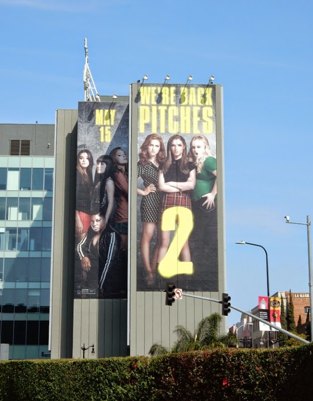 Pitch Perfect 2 film billboard