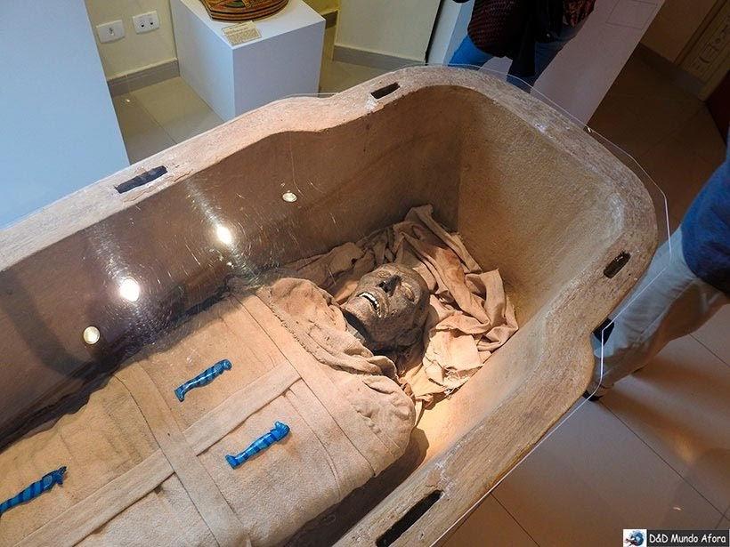 Réplica de uma múmia no Museu Egípcio em Curitiba, Paraná: como visitar