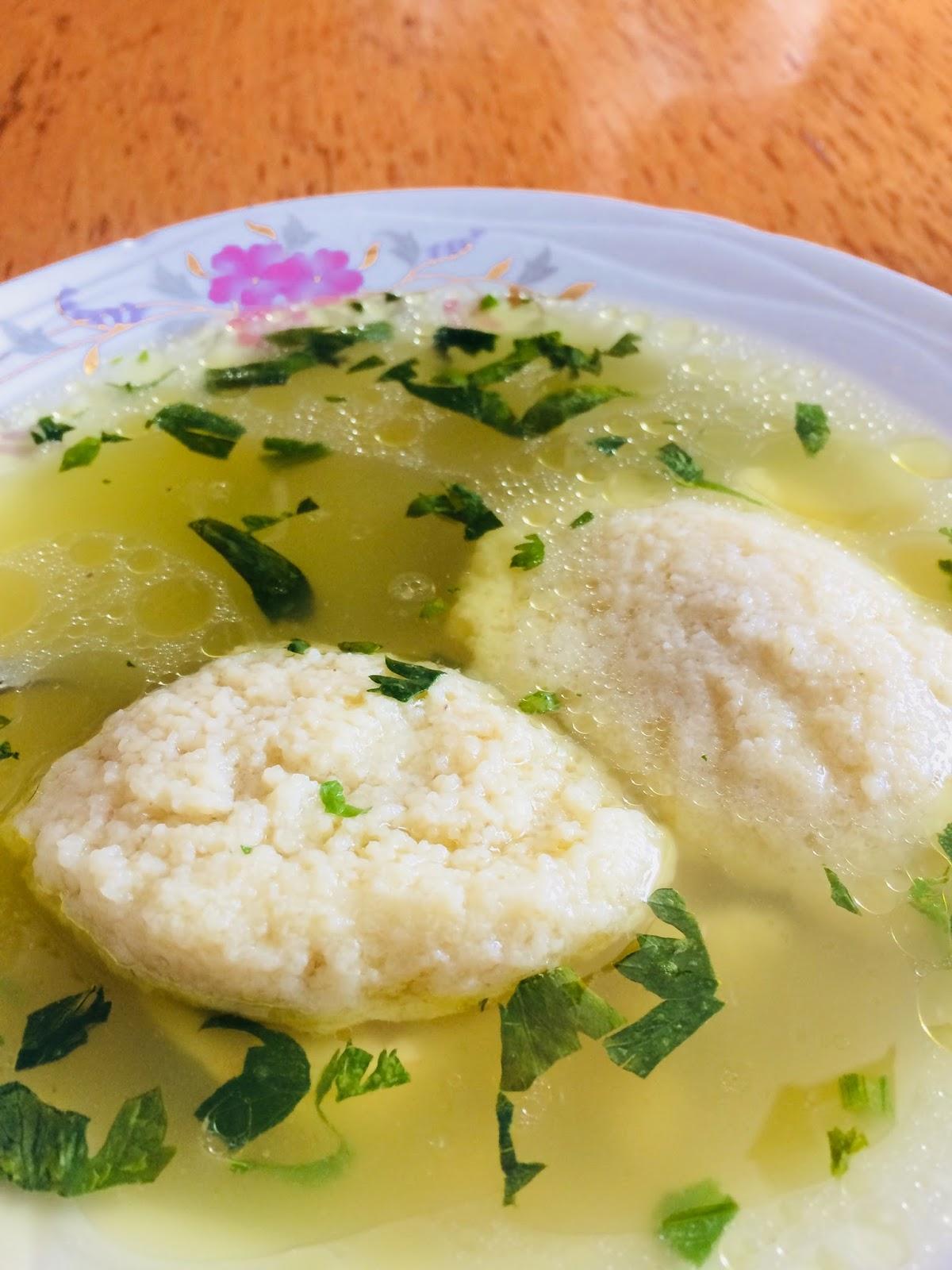 Supă de pasăre cu găluște rapide