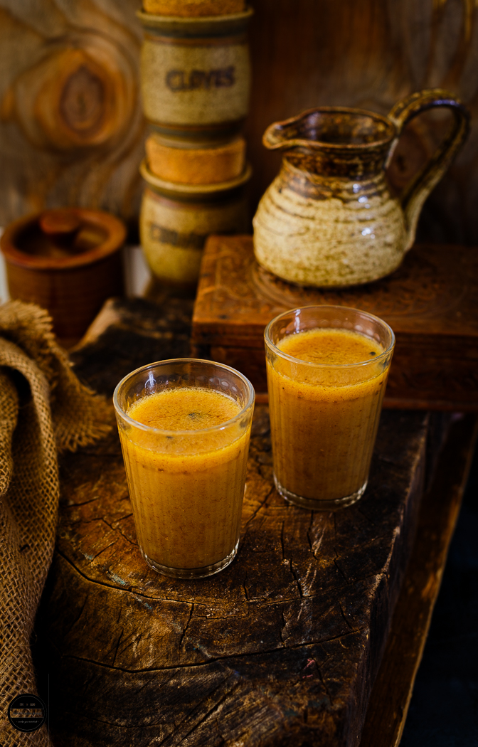 Raab is a Gujarati concoction, that is prepared with wheat flour, ghee, jaggery and Indian spices.