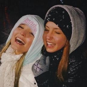 Larissa Manoela vai ás lágrimas ao ver neve pela primeira vez d8d01e35f9