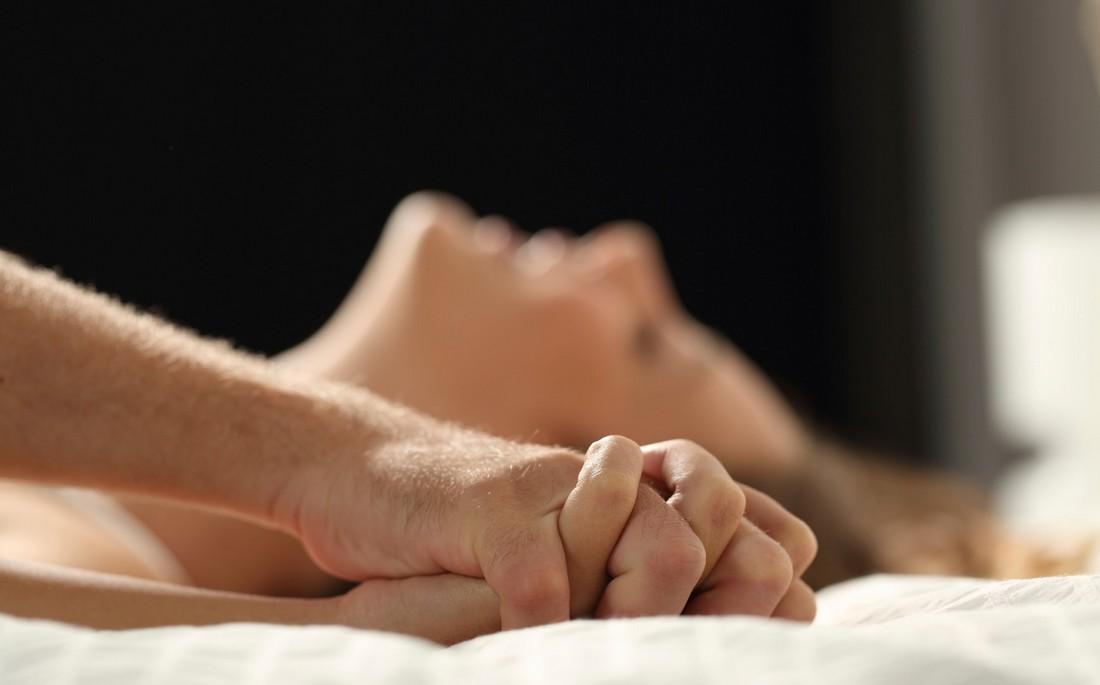 Καυτό λεσβιακό σεξ στο DailyMotion
