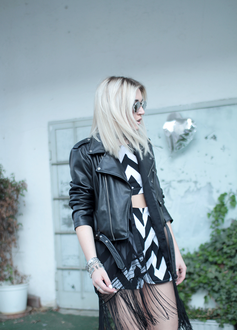 Outfit-Modeblog-Fashionblog-Zweiteiler-Two Piece-Fringes-Look-Choker-Mode-Fashion-Munich-Muenchen-Lauralamode