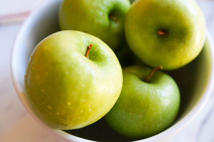 granny smith apples in bowl