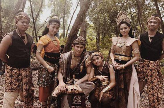 Foto Saphira Indah, Pemeran Ratu Di Iklan Indoeskrim