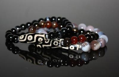 Dzi Amuletos con piedras Tibetanas
