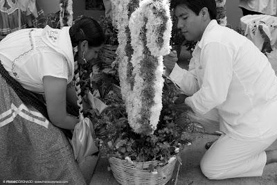 canasta de flores china oaxaqueña guelaguetza Oaxaca