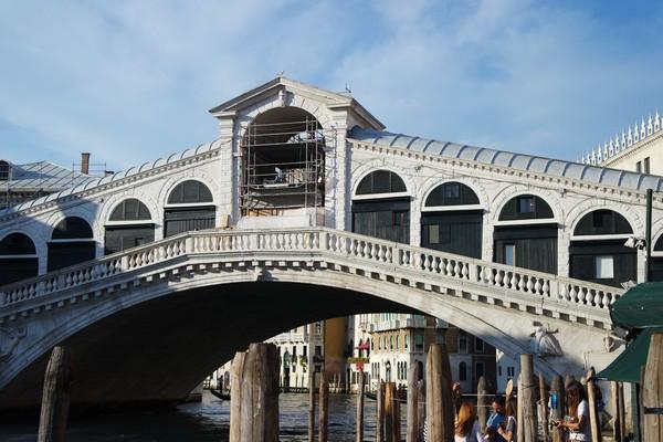venise italie grand canal vaporetto rialto
