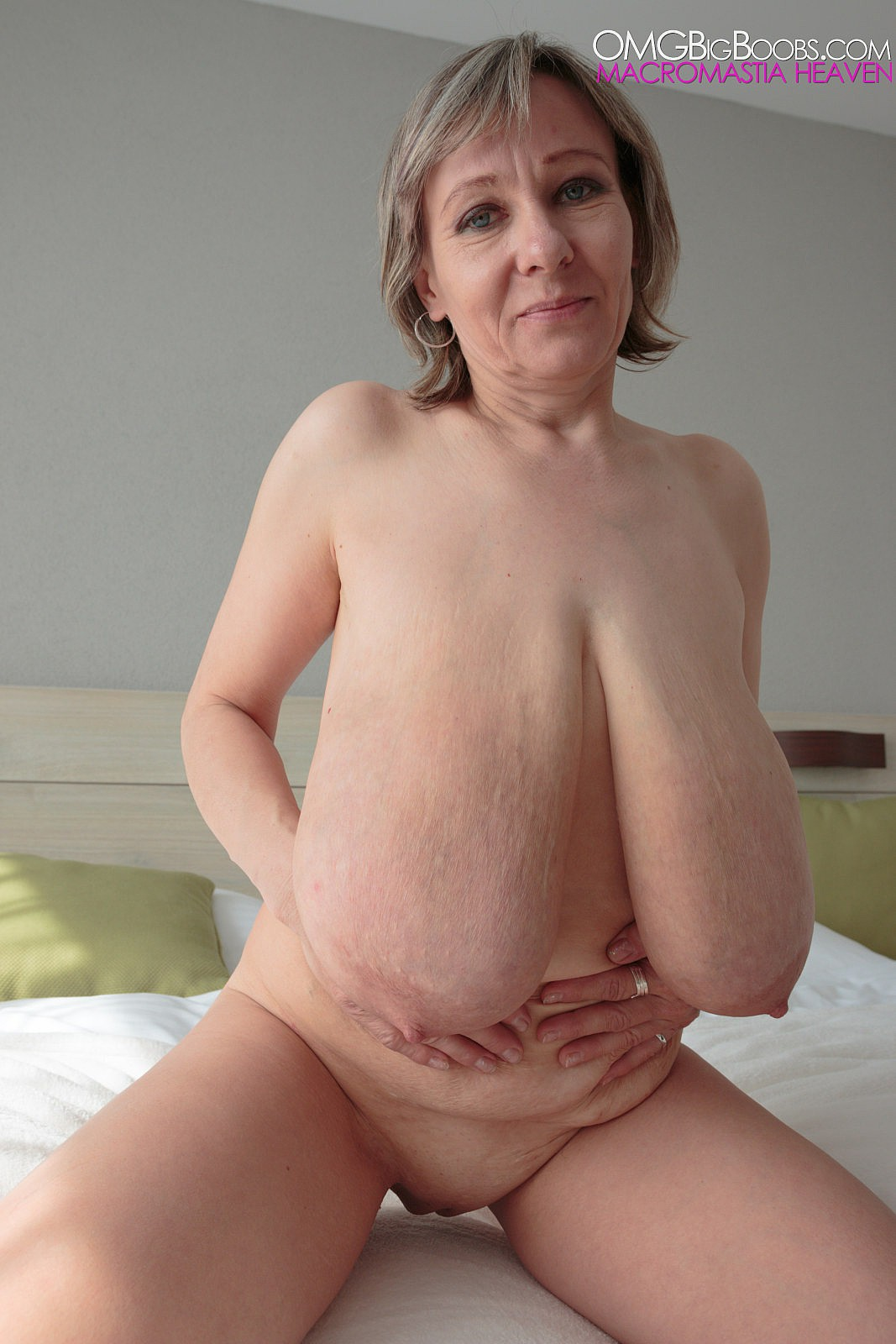 Mature Saggy Boobs Pics