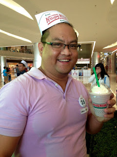 #KKnowinSMSeaside, Krispy Kreme Doughnuts, Krispy Kreme SM Seaside City, SM Seaside City, Original Glazed, Krispy Kreme Philippines, Carlo Olano, Wildberry Cream Chiller
