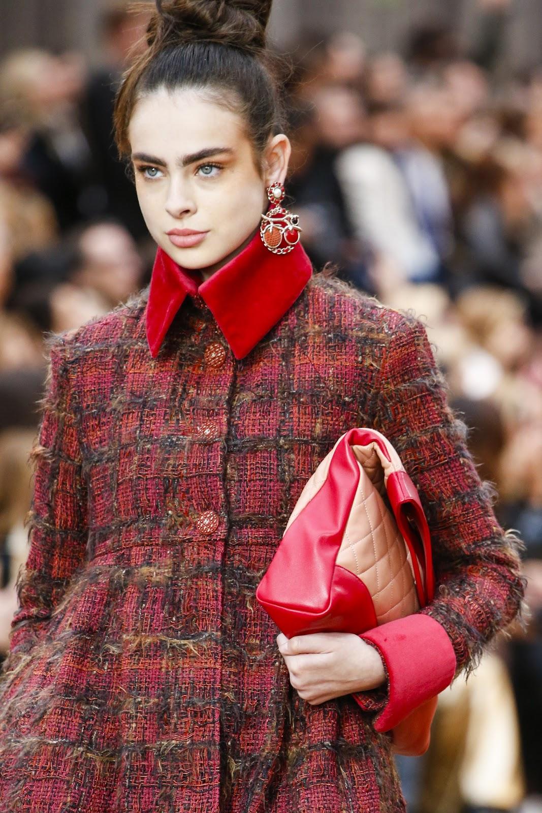 Runway: Chanel Fall 2018 Fashion Show Paris Fashion Week