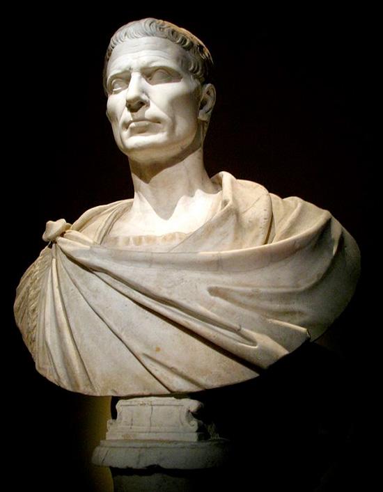 Risultati immagini per romanoimpero cesare