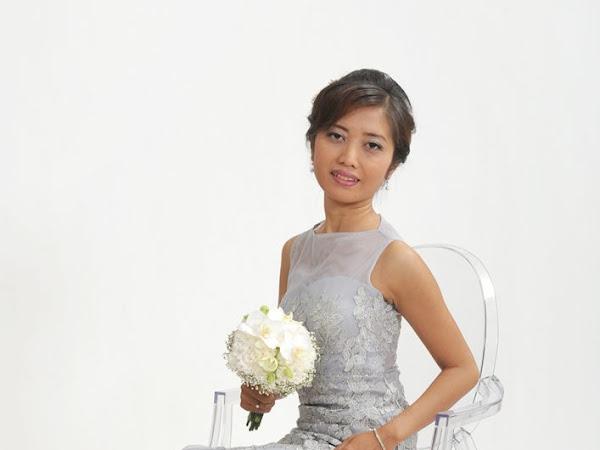 Esther Ariesta, Blogger yang Doyan Ngomongin Cinta