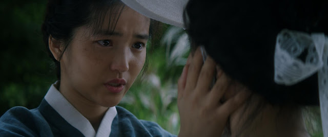 """Kim Tae-ri is a servant with a secret in Park Chan-wook's amazing """"The Handmaiden"""""""