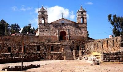 Foto del Templo del Sol en Vilcahuamán