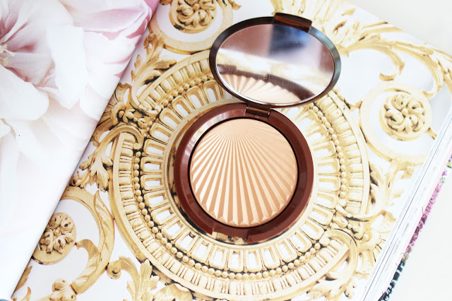 highlighter, art decor, Paris in bloom, esteem Lauder, makeup, review, makeup review, flatly
