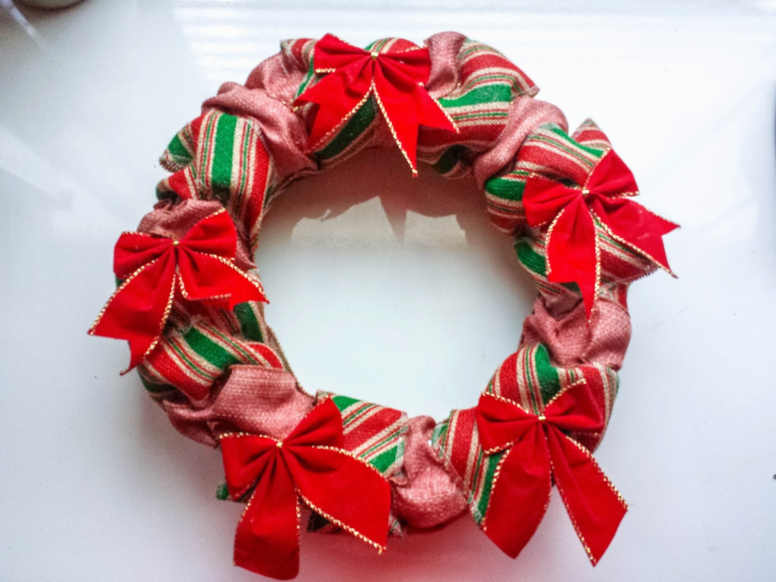 Sisterly Social: Easy DIY Christmas Ribbon Wreath