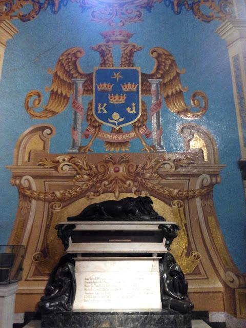 Tumba de Francisco Pizarro en la Catedral de Lima Perú