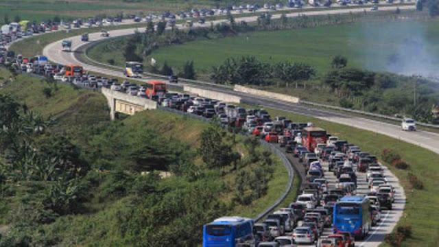 Siang Ini Total Kemacetan di Tol Cipali Capai 42 Kilometer