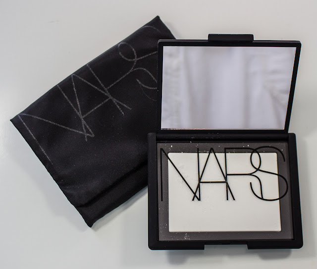 NARS Light Reflecting Pressed Setting Powder In Translucent Crystal (u0026  Other Similar White Powders) : Review