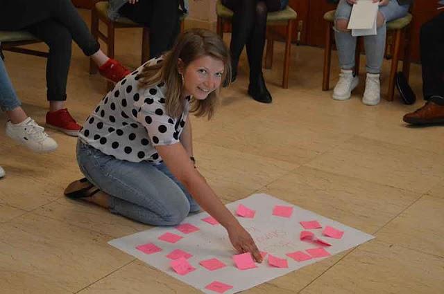 Karlsruherin leistet ein Jahr Friedensarbeit in Mazedonien