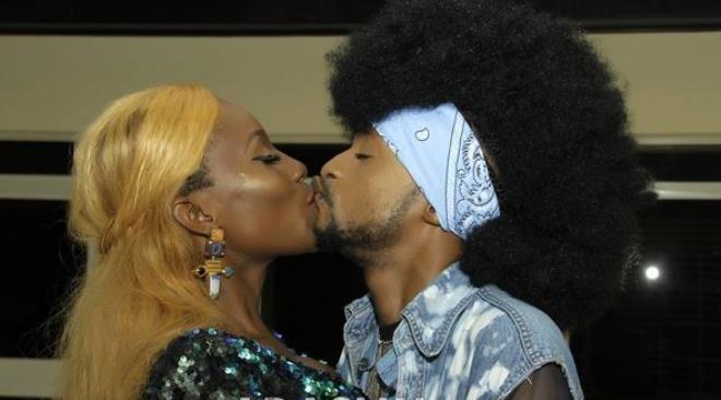 This Photo Of Denrele Edun Kissing Atress, Ada Slim Is Shoking