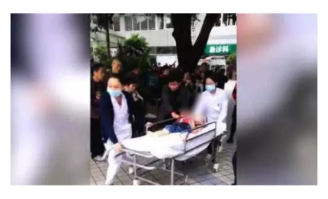 À kindergatten attachés n'y woman armes with knife in china