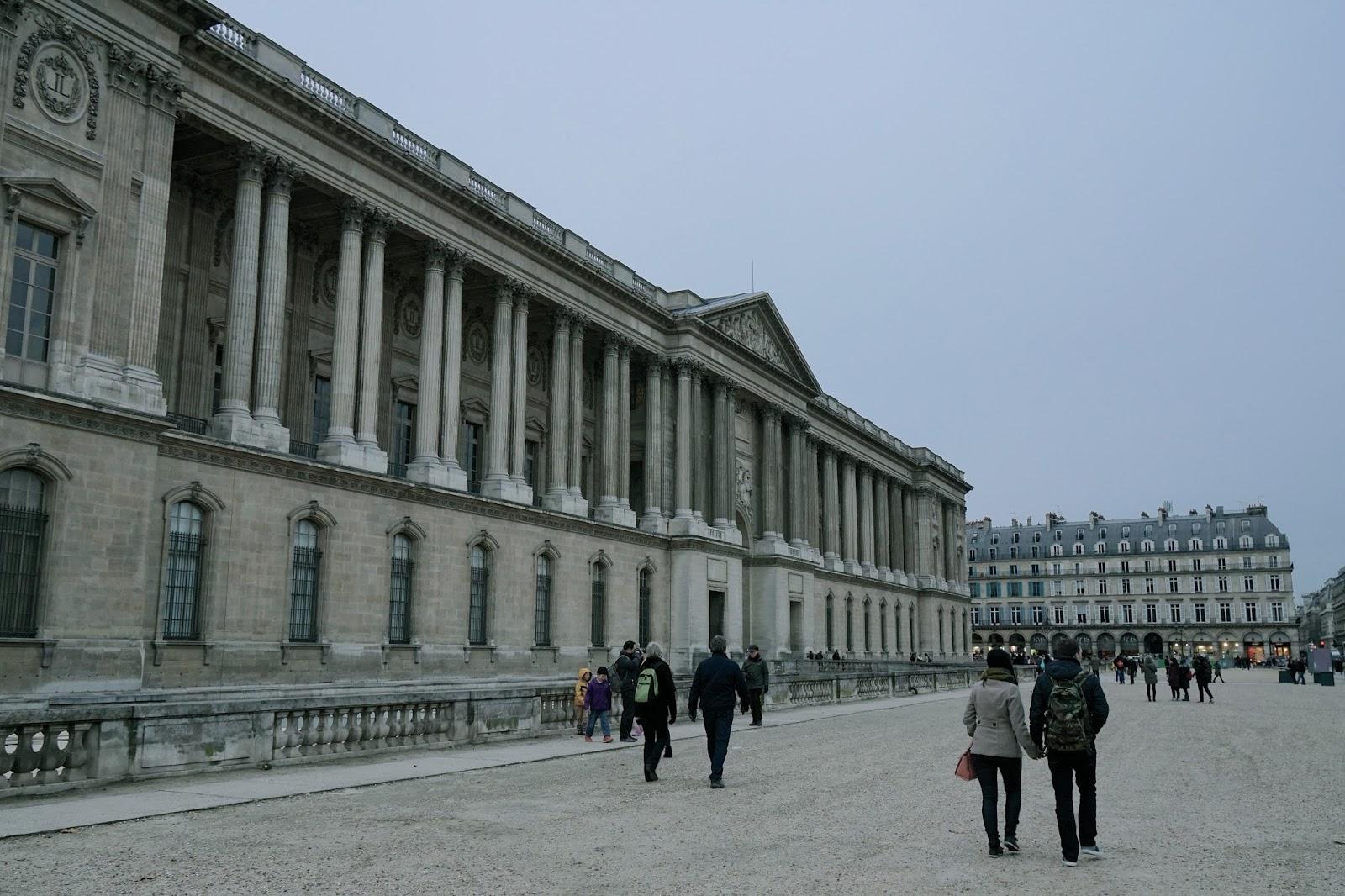 ルーブル宮東側正面(Colonnade de Perrault)の列柱棟