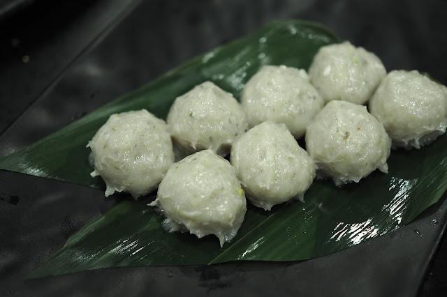 Fresh Shrimp Paste Ball + Minced Pork & Chinese Rice Wine (S$8 / $16)