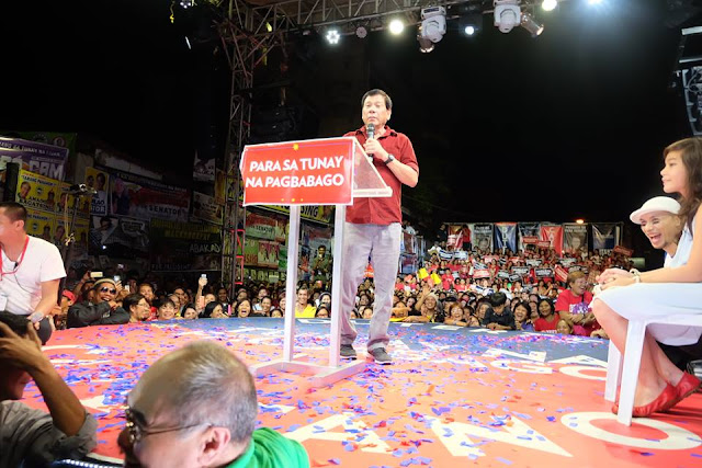 Mayor Rodrigo campaigns in Tondo.