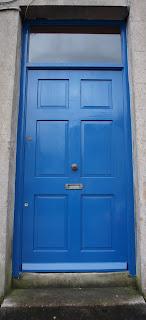 värikäs ovi