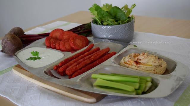 Arepitas y palitos de remolacha y zanahoria