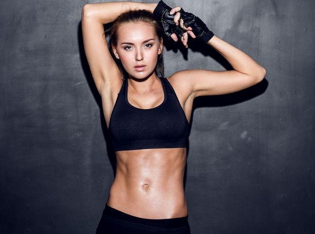 Η άσκηση που θα κάνει την κοιλιά σου πέτρα και δεν παίρνει πάνω από 3 λεπτά