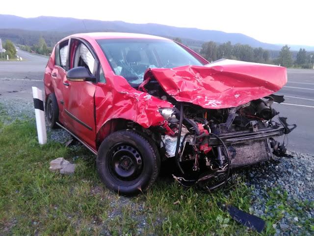 На перекрёстке Аскарово-Серменево столкнулись два автомобиля