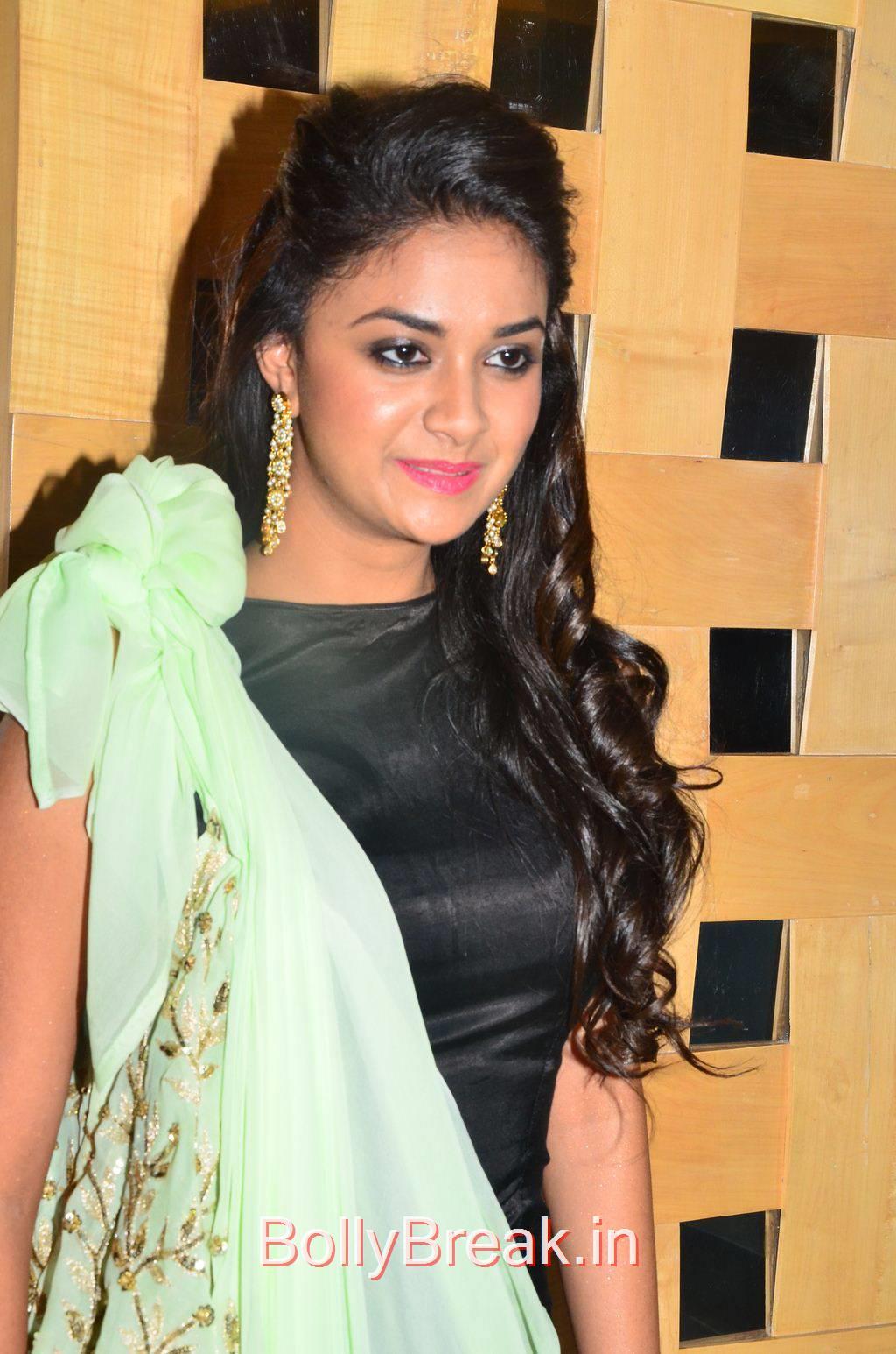 Keerthi Suresh Pics, Hot HD Pics of Suresh from Idhu Enna Maayam Movie Audio Launch