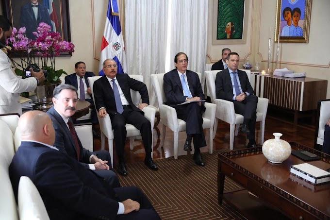 CLARO manifiesta a Danilo Medina planes para seguir apoyando evolución tecnológica del país.