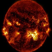Obama comanda EUA a se preparar para 'eventos extremos do clima espacial'