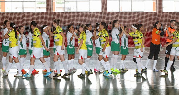 96ad966ab4 A primeira rodada do futsal masculino na fase final dos Jogos Abertos do  Paraná (divisão A)