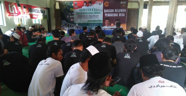 Kawal Dawuh Kiai, Brigade 01 Bertekad Menangkan Jokowi di Pasuruan