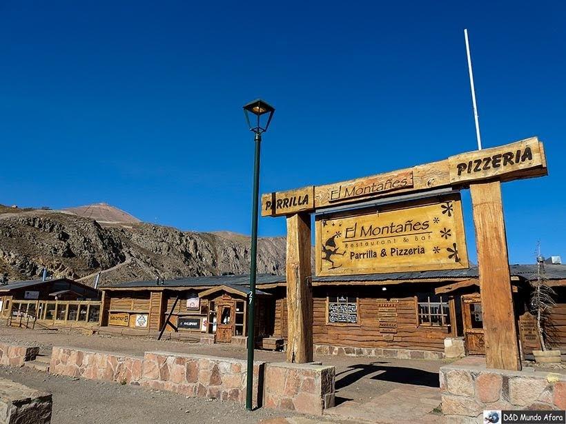 Restaurante fechado do Parque Farellones - Valle Nevado no verão