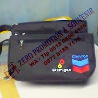 Souvenir Pouch / Dompet / Pouch kosmetik / Pouch hp