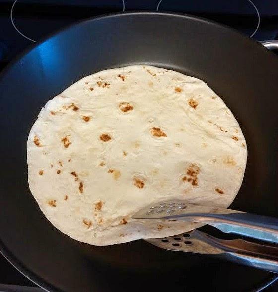 flip tortilla